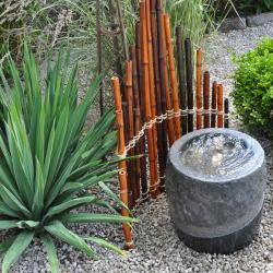 trädgård bambu sten fontän